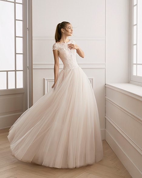 EVALI gown from the 2019 Aire Barcelona Bridal collection, as seen on Bride.Canada