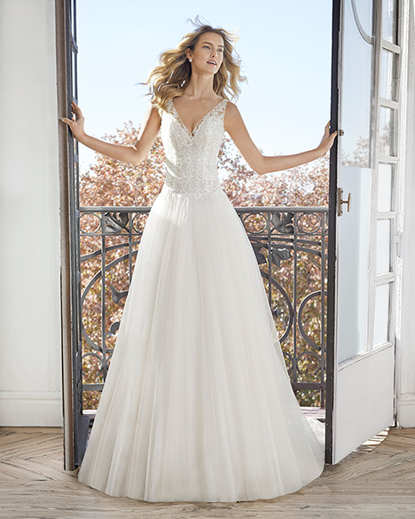 ELIETTE gown from the 2019 Aire Barcelona Bridal collection, as seen on Bride.Canada