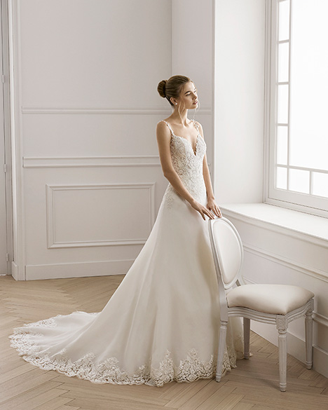 ELKA gown from the 2019 Aire Barcelona Bridal collection, as seen on Bride.Canada