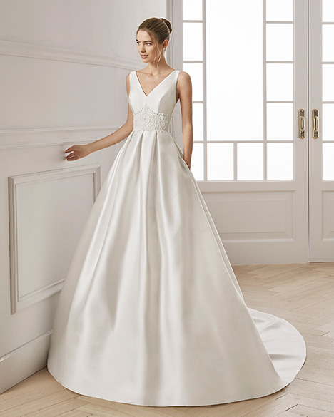 ENDER gown from the 2019 Aire Barcelona Bridal collection, as seen on Bride.Canada
