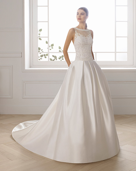 ELICE gown from the 2019 Aire Barcelona Bridal collection, as seen on Bride.Canada