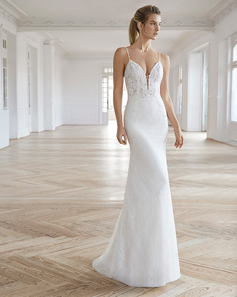 ELAIA (2) gown from the 2019 Aire Barcelona Bridal collection, as seen on Bride.Canada