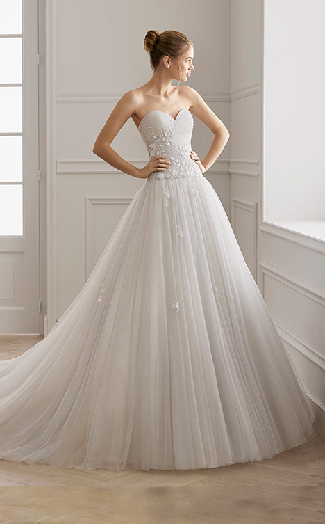 ELOT gown from the 2019 Aire Barcelona Bridal collection, as seen on Bride.Canada