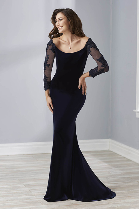 17880 gown from the 2018 Christina Wu: Elegance collection, as seen on Bride.Canada