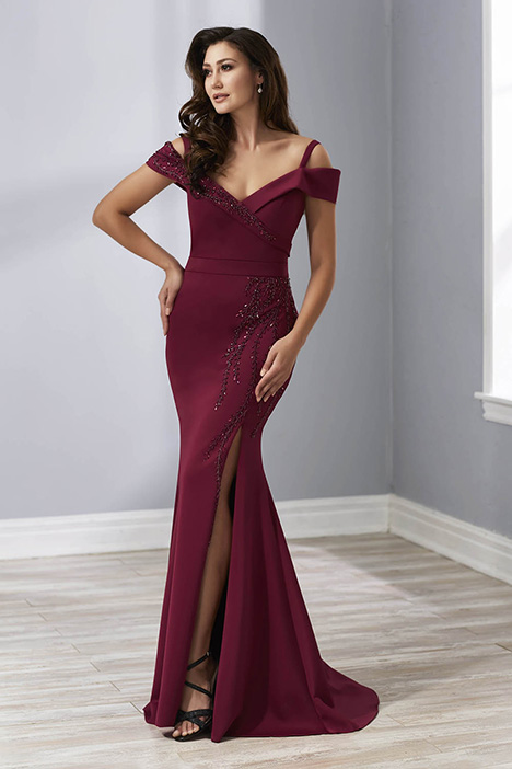 17885 gown from the 2018 Christina Wu: Elegance collection, as seen on Bride.Canada
