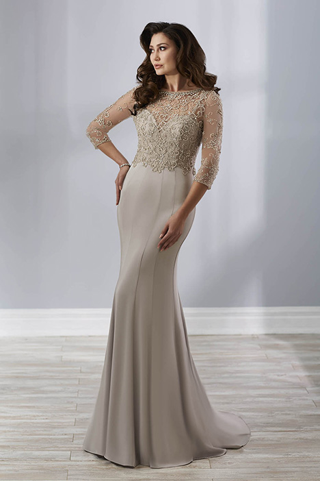 17893 gown from the 2018 Christina Wu: Elegance collection, as seen on Bride.Canada