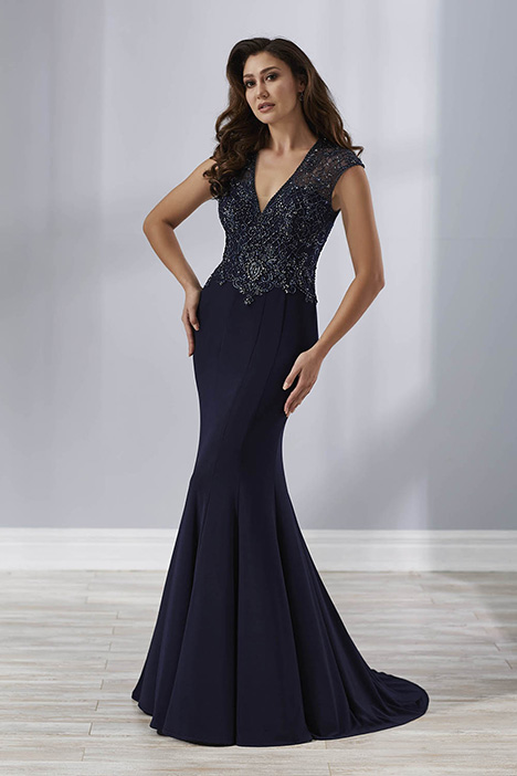 17899 gown from the 2018 Christina Wu: Elegance collection, as seen on Bride.Canada