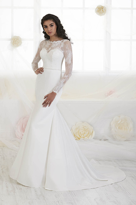 38012 gown from the 2018 Novia Collection collection, as seen on Bride.Canada