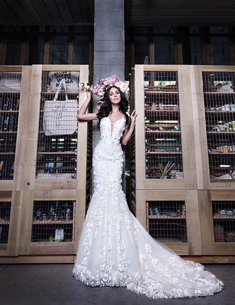 HALO gown from the 2019 Yumi Katsura collection, as seen on Bride.Canada