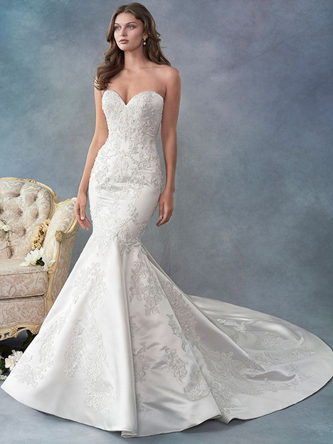 1786 gown from the 2018 Kenneth Winston collection, as seen on Bride.Canada