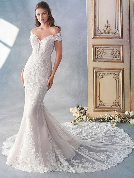 1788 gown from the 2018 Kenneth Winston collection, as seen on Bride.Canada