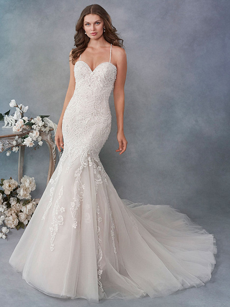 1800 gown from the 2018 Kenneth Winston collection, as seen on Bride.Canada