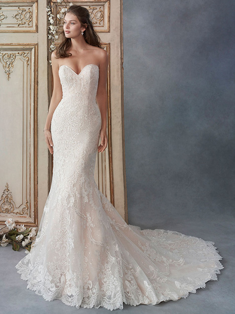 1802 gown from the 2018 Kenneth Winston collection, as seen on Bride.Canada