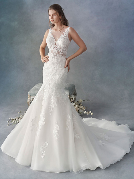 1803 gown from the 2018 Kenneth Winston collection, as seen on Bride.Canada