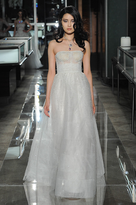 Couture gown from the 2018 Reem Acra collection, as seen on Bride.Canada