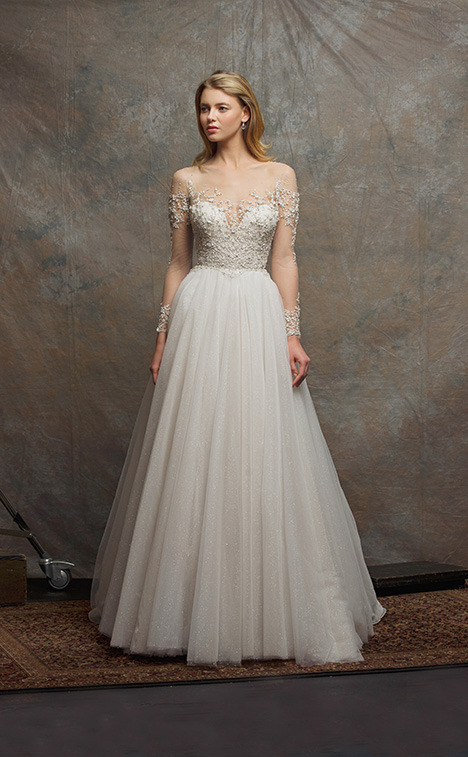 ES754 EMERY gown from the 2018 Enaura Bridal collection, as seen on Bride.Canada