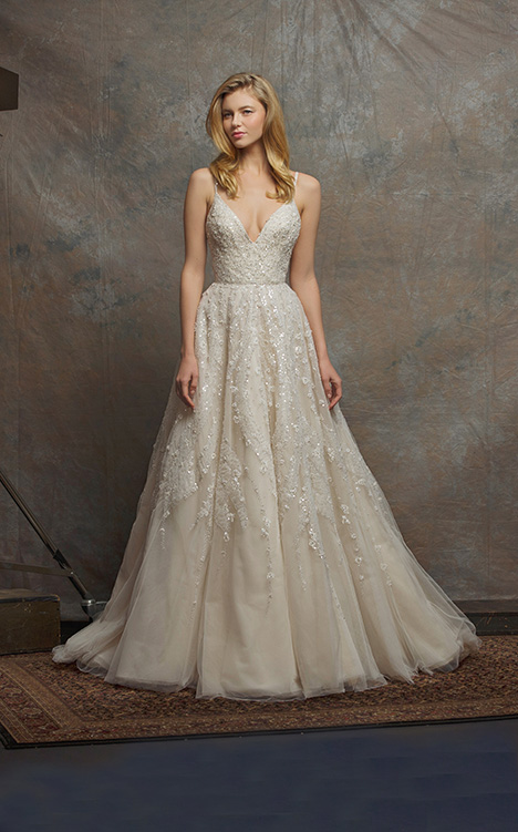 ES755 ETERNITY gown from the 2018 Enaura Bridal collection, as seen on Bride.Canada