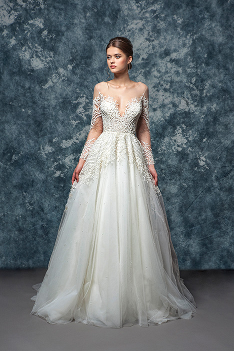 EF800 Waverly gown from the 2018 Enaura Bridal collection, as seen on Bride.Canada