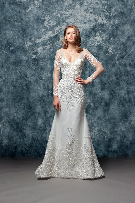 EF806 Flora  gown from the 2018 Enaura Bridal collection, as seen on Bride.Canada