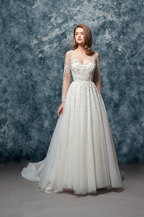EF811 Daphne  gown from the 2018 Enaura Bridal collection, as seen on Bride.Canada