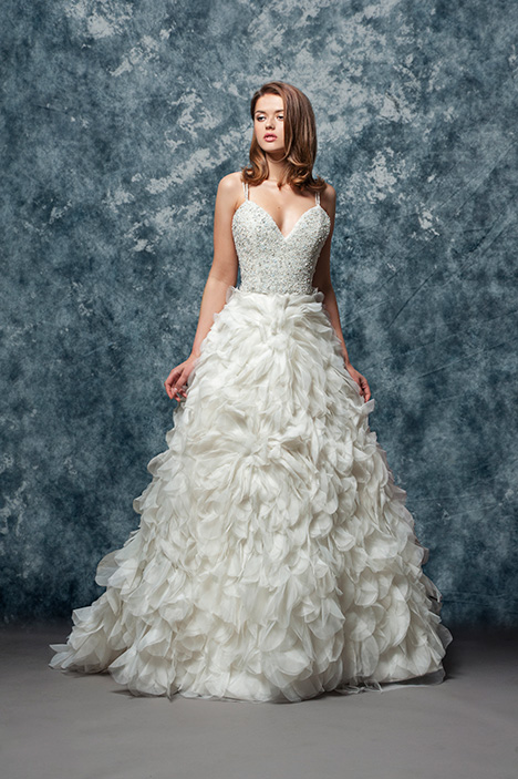 EF818 Luna  gown from the 2018 Enaura Bridal collection, as seen on Bride.Canada