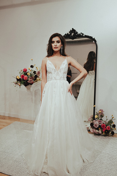 Manhattan gown from the 2018 Sarah Seven collection, as seen on Bride.Canada