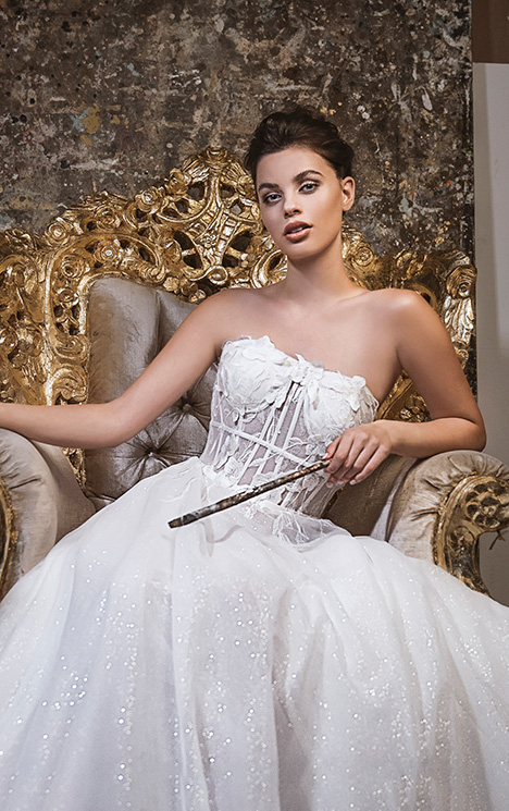 LA20-05 Nicole gown from the 2019 Lavish by Persy collection, as seen on Bride.Canada
