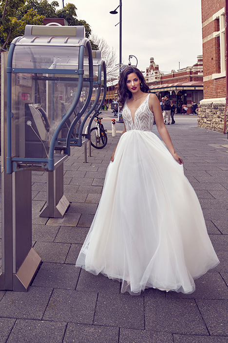 ZB 6075 gown from the 2019 Zavana Bridal collection, as seen on Bride.Canada