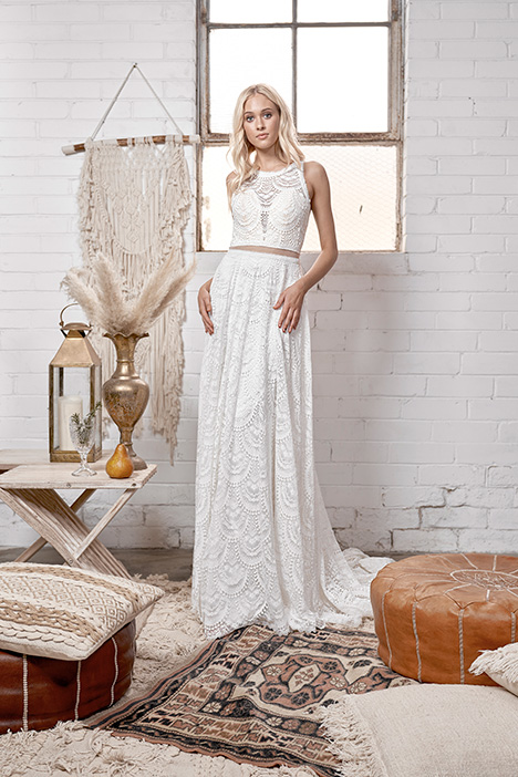 WA 6072 gown from the 2019 White April collection, as seen on Bride.Canada
