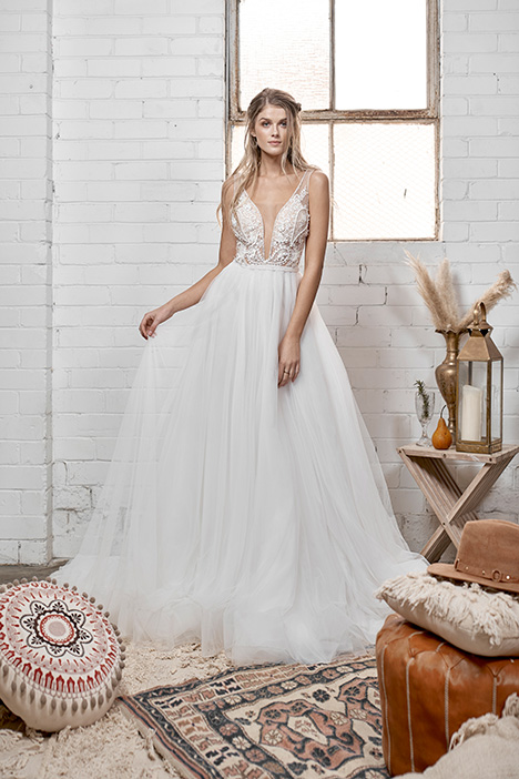 WA 6082 gown from the 2019 White April collection, as seen on Bride.Canada