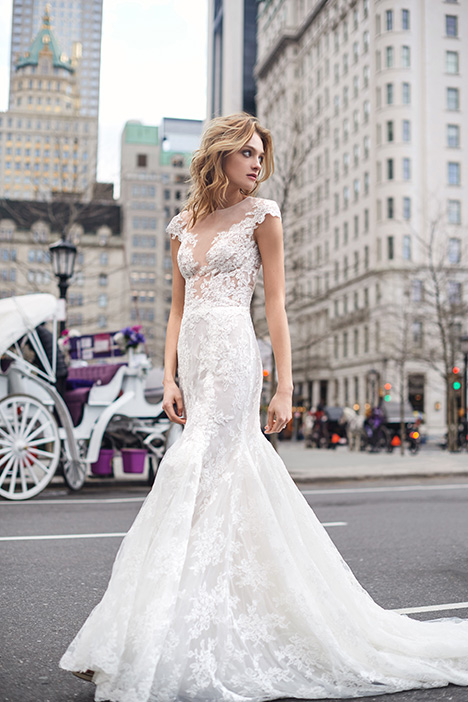 BL19111 gown from the 2019 Monique Lhuillier: Bliss collection, as seen on Bride.Canada