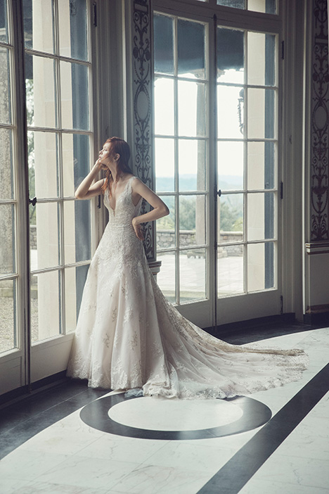 Adaline gown from the 2019 Monique Lhuillier collection, as seen on Bride.Canada