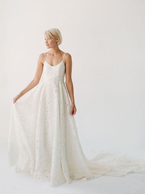 Annie gown from the 2019 Truvelle collection, as seen on Bride.Canada