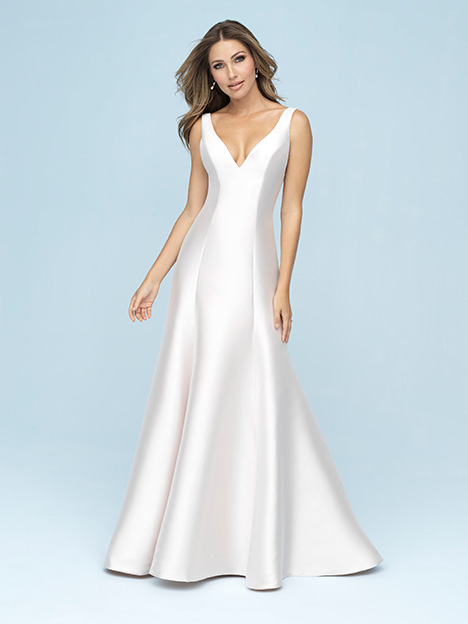9600 gown from the 2019 Allure Bridals collection, as seen on Bride.Canada