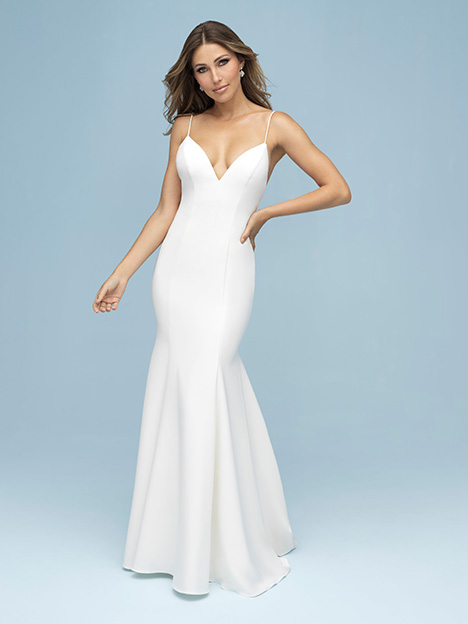 9603 gown from the 2019 Allure Bridals collection, as seen on Bride.Canada