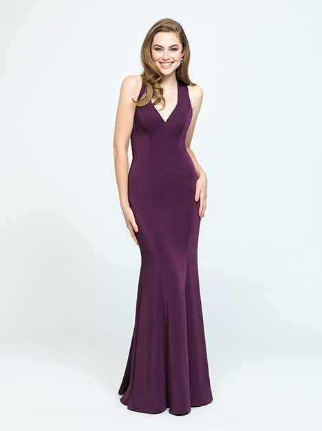 1604 gown from the 2019 Allure Bridesmaids collection, as seen on Bride.Canada