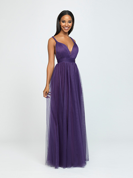 1617 gown from the 2019 Allure Bridesmaids collection, as seen on Bride.Canada
