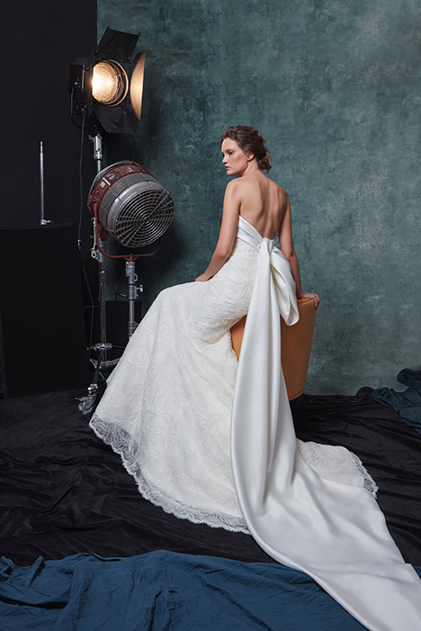 Cameron (back) gown from the 2019 Sareh Nouri collection, as seen on Bride.Canada