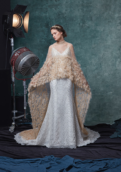 Charlize gown from the 2019 Sareh Nouri collection, as seen on Bride.Canada
