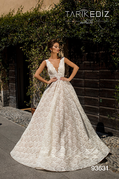 93631 gown from the 2019 Tarik Ediz: White collection, as seen on Bride.Canada