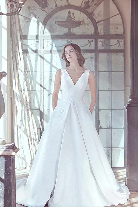 OPEL gown from the 2019 Sareh Nouri collection, as seen on Bride.Canada