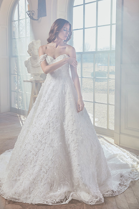 ORIEL gown from the 2019 Sareh Nouri collection, as seen on Bride.Canada