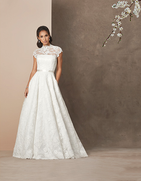 Madeira gown from the 2019 Caroline Castigliano collection, as seen on Bride.Canada