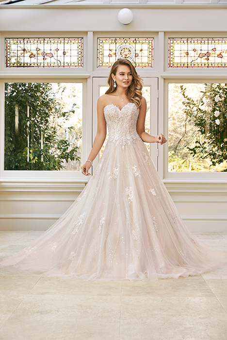 Aspen gown from the 2019 Sophia Tolli collection, as seen on Bride.Canada