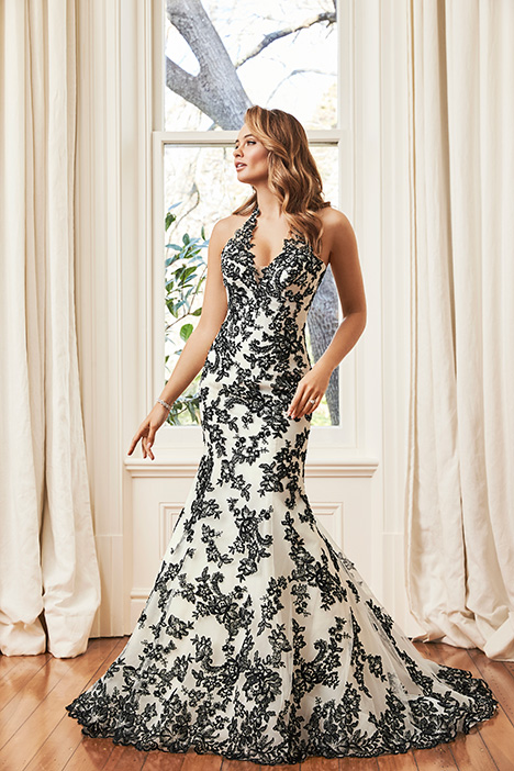 Y11942 gown from the 2019 Sophia Tolli collection, as seen on Bride.Canada
