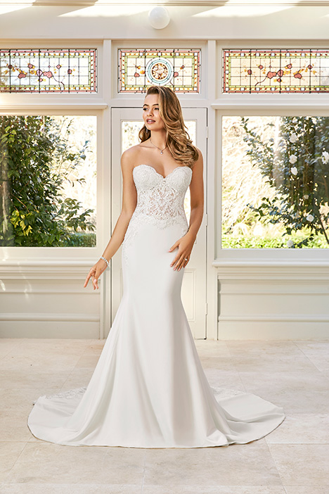 Brooklyn gown from the 2019 Sophia Tolli collection, as seen on Bride.Canada