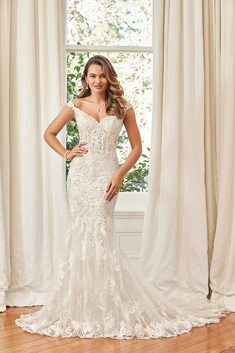 Sahra gown from the 2019 Sophia Tolli collection, as seen on Bride.Canada