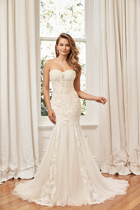 Y11960 gown from the 2019 Sophia Tolli collection, as seen on Bride.Canada