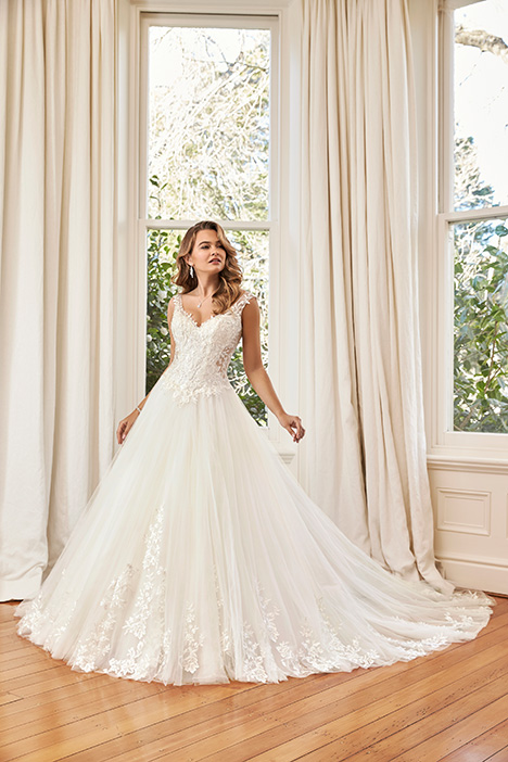 Hayden gown from the 2019 Sophia Tolli collection, as seen on Bride.Canada