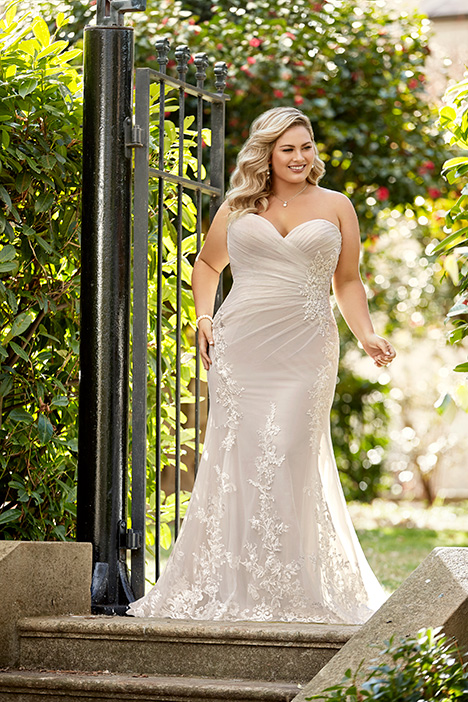 Aleena gown from the 2019 Sophia Tolli collection, as seen on Bride.Canada